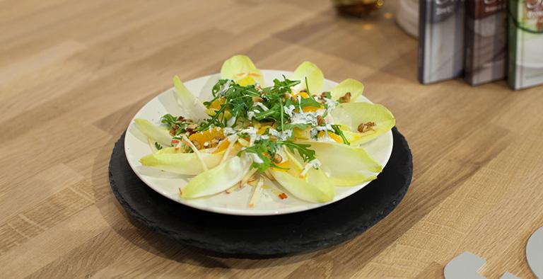 #2: Witlofsalade met rucola, appel en walnoten - Recept